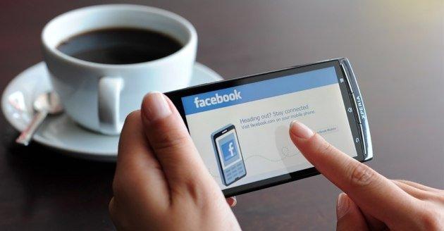 ehh-630-smartphone-facebook-istock-630w1